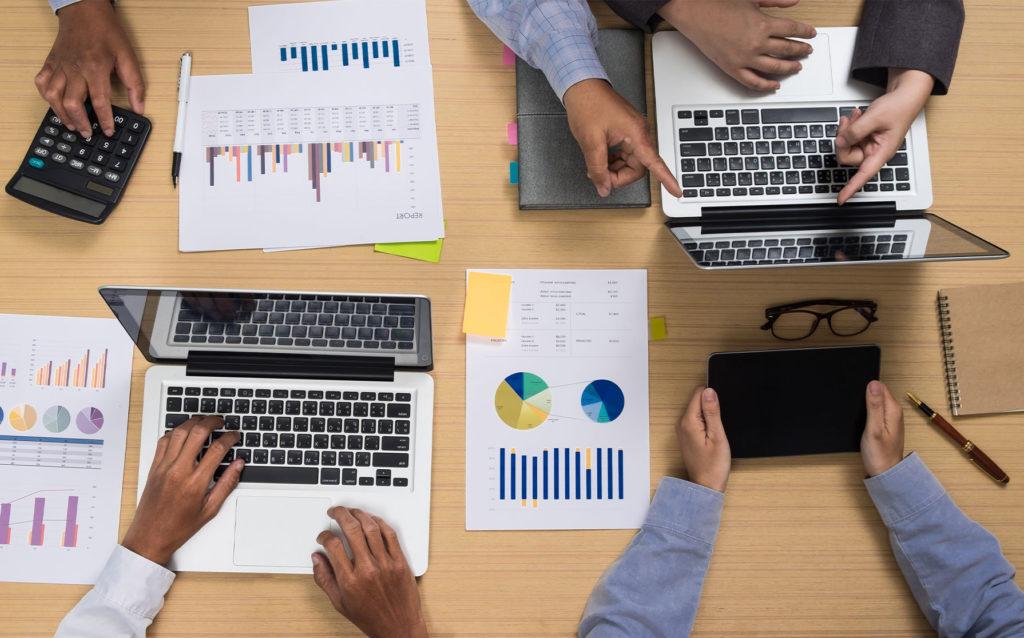 Qual a diferença entre gestão empresarial e administração?
